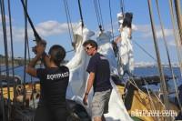 The crew on the maneuver on La Recouvrance - 5